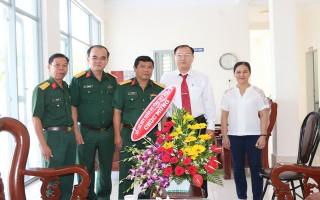 Bộ CHQS Tây Ninh thăm các bệnh viện trong tỉnh