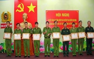 Tây Ninh: Sơ kết công tác vận động toàn dân giao nộp vũ khí, vật liệu nổ và công cụ hỗ trợ năm 2016