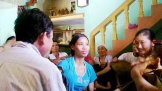 """""""Thánh cô"""" chữa bách bệnh bằng nước lã: Phải xử lý nghiêm"""