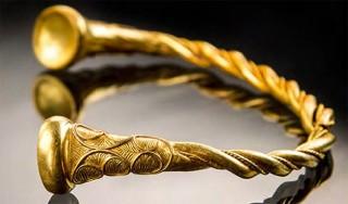 Phát hiện bộ trang sức vòng vàng 2.500 tuổi