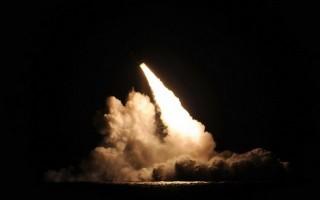 """Nguy cơ chiến tranh hạt nhân từ đầu đạn """"siêu ngòi nổ"""" của Mỹ"""