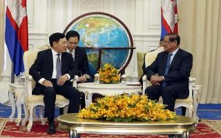 Phó Thủ tướng Phạm Bình Minh đến chào Quyền Thủ tướng Campuchia