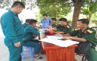 Châu Thành: Chi trả phụ cấp trách nhiệm cho quân nhân dự bị
