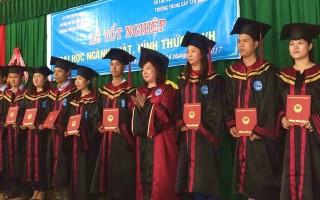 Trao bằng tốt nghiệp Đại học Luật cho 126 sinh viên