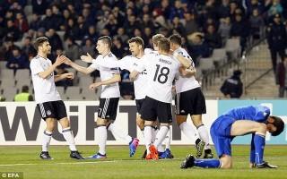 """Thắng """"4 sao"""", Đức chạm 1 tay vào vé dự World Cup 2018"""