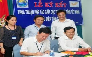 Bưu điện Tây Ninh ký kết hợp tác với Cục Thống kê Tây Ninh