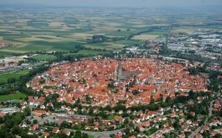 Bị thiên thạch lao trúng, thị trấn ở Đức sở hữu 72.000 tấn kim cương