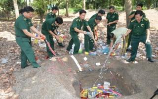 Biên phòng Tây Ninh: Tiêu hủy pháo lậu các loại