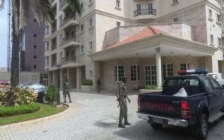 Phát hiện hơn 43 triệu USD tiền mặt giấu trong căn hộ ở Nigeria