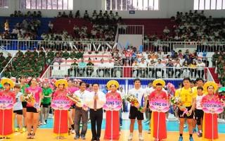 Giao lưu bóng chuyền chào mừng Giải bóng chuyền nữ quốc tế Cup VTV9- Bình Điền