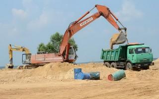 Tạm ngưng khai thác cát trong hồ Dầu Tiếng
