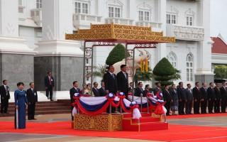 Lễ đón chính thức Thủ tướng Nguyễn Xuân Phúc và phu nhân thăm Lào