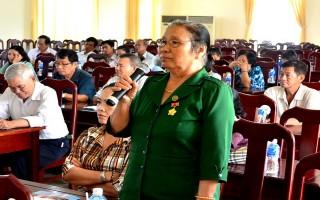 Đại biểu Quốc hội Huỳnh Thanh Phương tiếp xúc cán bộ hưu trí