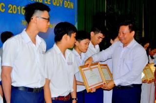 Tuyên dương học sinh đạt giải thưởng Lê Quý Đôn năm học 2016 – 2017