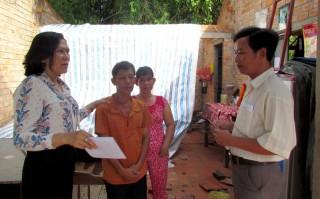 Gò Dầu: Hàng chục nhà dân bị tốc mái vì mưa giông