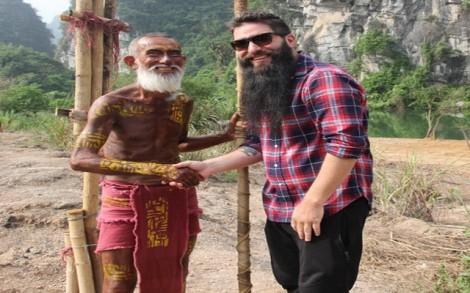 """Đạo diễn """"Kong"""" về thăm phim trường và thổ dân Ninh Bình"""