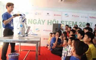 Ngày hội STEM 2017: Khám phá khoa học từ cao xa đến gần gũi