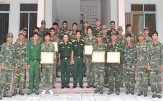 Châu Thành: Khen thưởng tập thể, cá nhân đạt thành tích trong Hội thao quốc phòng