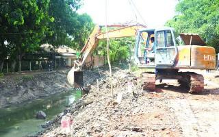 Ðầu tư hơn 800 triệu đồng nạo vét kênh Ao Hồ