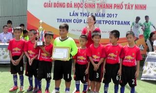 Bế mạc giải bóng đá mini học sinh tranh cúp Lien Viet PostBank