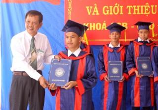 Trường Cao đẳng nghề Tây Ninh: Tổ chức lễ tốt nghiệp và giới thiệu việc làm cho học sinh, sinh viên