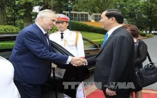 Chủ tịch nước Trần Đại Quang đón tiếp Tổng thống Cộng hòa Séc