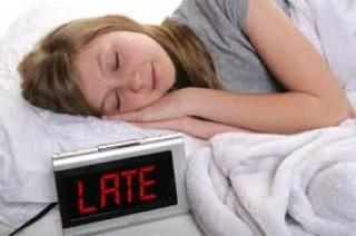Thức khuya và dậy muộn vào cuối tuần hại sức khoẻ thế nào?