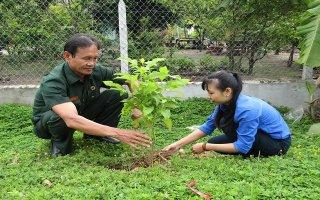 Tân Bình: Ra quân thực hiện công trình tuyến đường hoa
