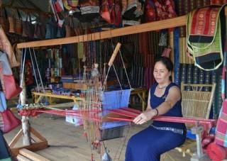Làng thổ cẩm Châu Giang (An Giang) - Nét văn hóa của đồng bào Chăm