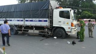 Một người tử vong do va chạm xe tải