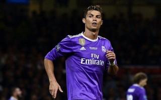 Ronaldo trước nguy cơ tù mọt gông vì trốn thuế