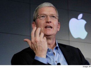 CEO Tim Cook hé lộ về dự án xe không người lái của Apple