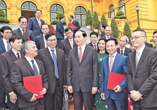 Chủ tịch nước Trần Đại Quang trao quyết định bổ nhiệm Trưởng Cơ quan đại diện Việt Nam ở nước ngoài