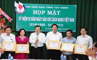 Họp mặt kỷ niệm 92 năm Ngày Báo chí cách mạng Việt Nam