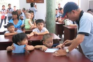 CLB hưu trí Công ty Tanimex tặng quà cho Trung tâm Bảo trợ xã hội Tây Ninh