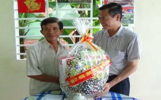 Bí thư Thành ủy Tây Ninh thăm, tặng quà các gia đình chính sách