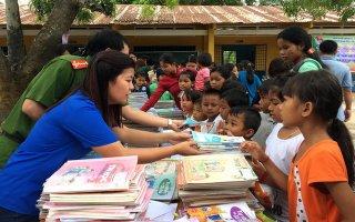 Ngày hội Sắc màu tuổi thơ cho trẻ em vùng biên giới