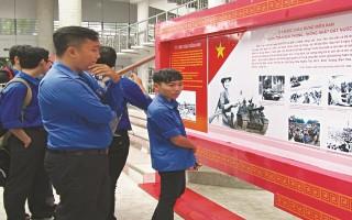 Khai mạc triển lãm hình ảnh kỷ niệm 70 năm Ngày Thương binh - Liệt sĩ