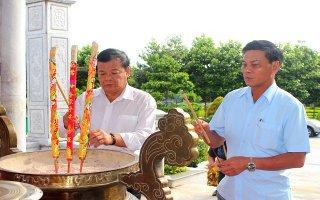 Lãnh đạo TP. Hải Phòng viếng nghĩa trang liệt sĩ tại Tây Ninh