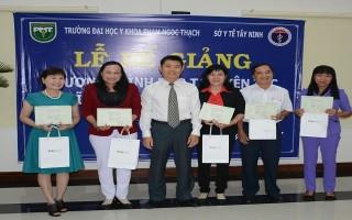ĐH Y khoa Phạm Ngọc Thạch: Trao chứng chỉ bác sĩ gia đình cho 67 học viên Tây Ninh