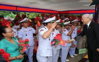 Tổng Bí thư Nguyễn Phú Trọng thăm cảng quốc tế Preah Sihanouk