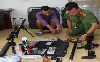 Bắt một vụ tàng trữ trái phép ma tuý và vũ khí