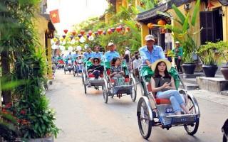 Phấn đấu đón 13 triệu du khách quốc tế đến Việt Nam trong năm 2017