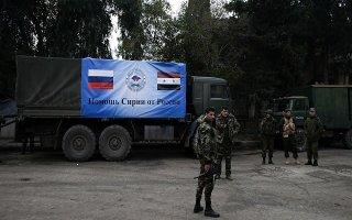 Đoàn xe chở hàng nhân đạo đầu tiên đến Đông Ghouta