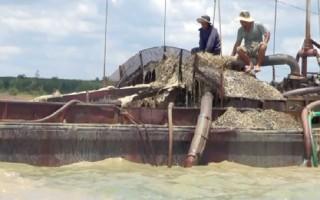 Hút cát trộm trong hồ Dầu Tiếng, chủ tàu bị phạt trên 200 triệu đồng