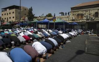 Israel cấm đàn ông dưới 50 tuổi đến thánh địa Jerusalem vào ngày thứ Sáu