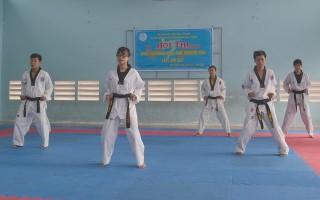 Sôi nổi Hội thi Taekwondo Dance huyện Châu Thành