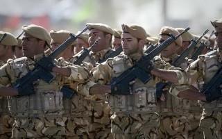 Binh sĩ Iran nổ súng vào đồng đội làm 10 người bị thương