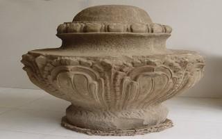Đề nghị công nhận bệ đá hình hoa sen là bảo vật quốc gia