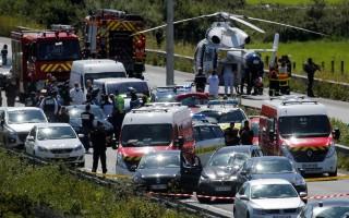 Cảnh sát Pháp nổ súng, bắt giữ nghi can đâm xe vào binh sĩ ở ngoại ô Paris